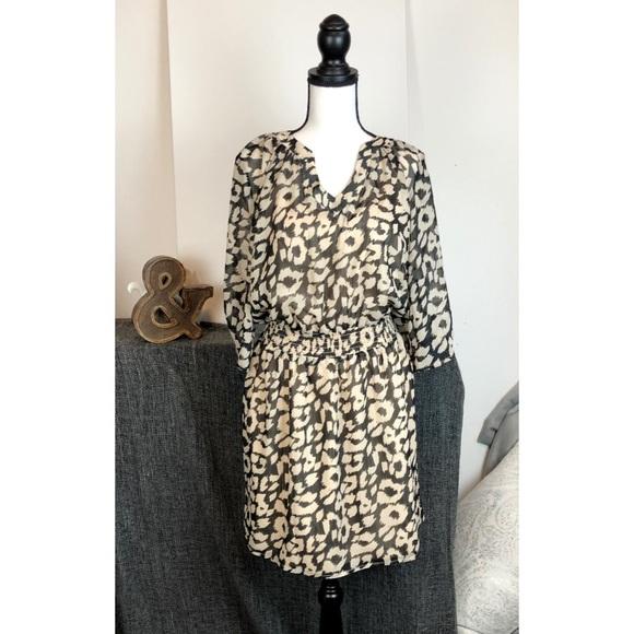 Express Dresses & Skirts - Express Chiffon 3/4 sleeve dress Medium